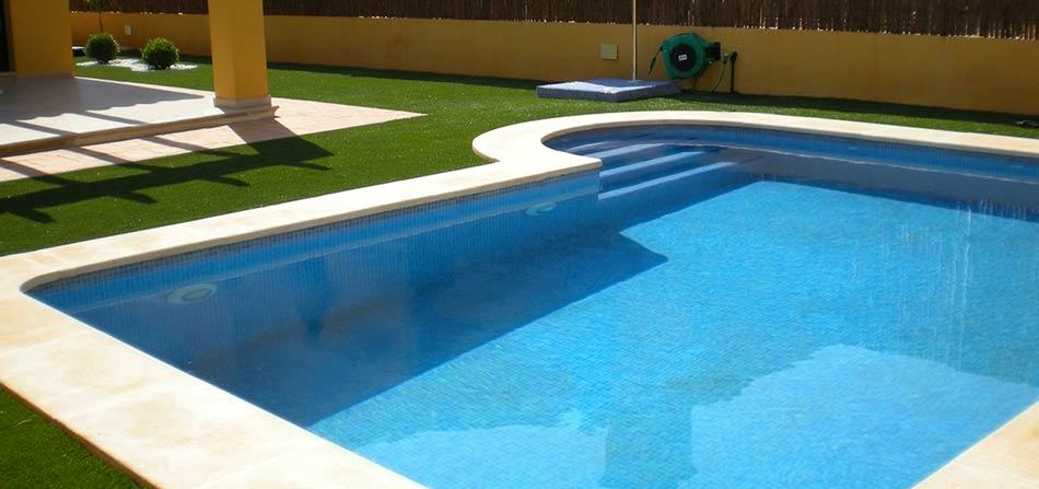 erba finta per piscina