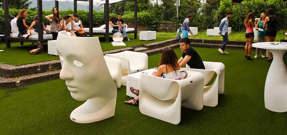erba artificiale per ristoranti