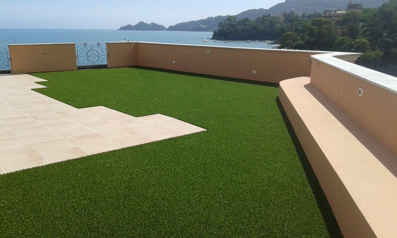 Arredo giardini oggi e un vero cult grazie all 39 erba - Erba finta per giardino ...