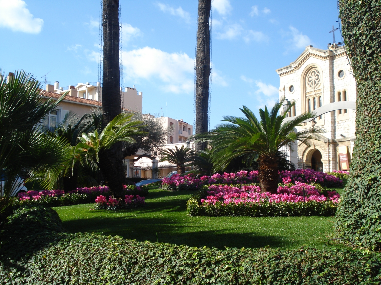 Arredo giardini oggi e un vero cult grazie all 39 erba for Arredo urbano in inglese