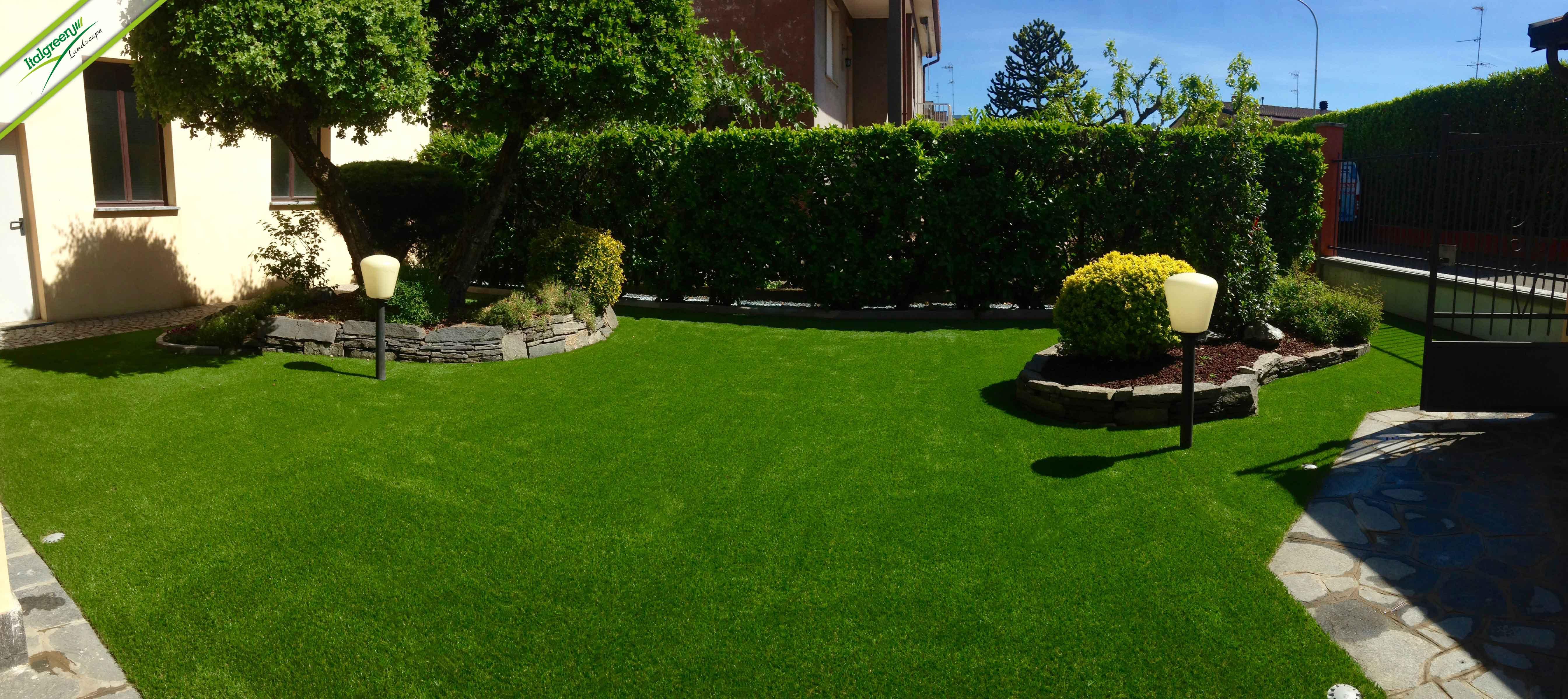 Natale alle porte outdoor in ordine grazie all 39 erba - Giardino senza erba ...