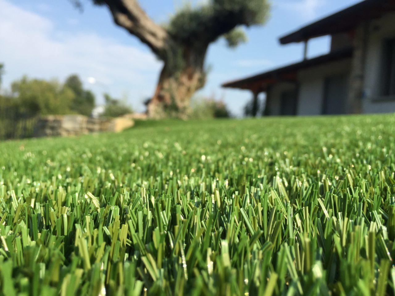 Erba sintetica d 39 arredo ultrareale - Erba sintetica da giardino ...