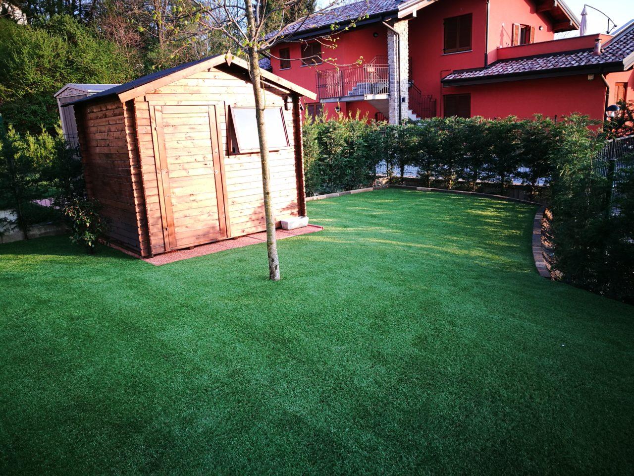 Stufo di tagliare l 39 erba nel weekend - Erba sintetica da giardino ...