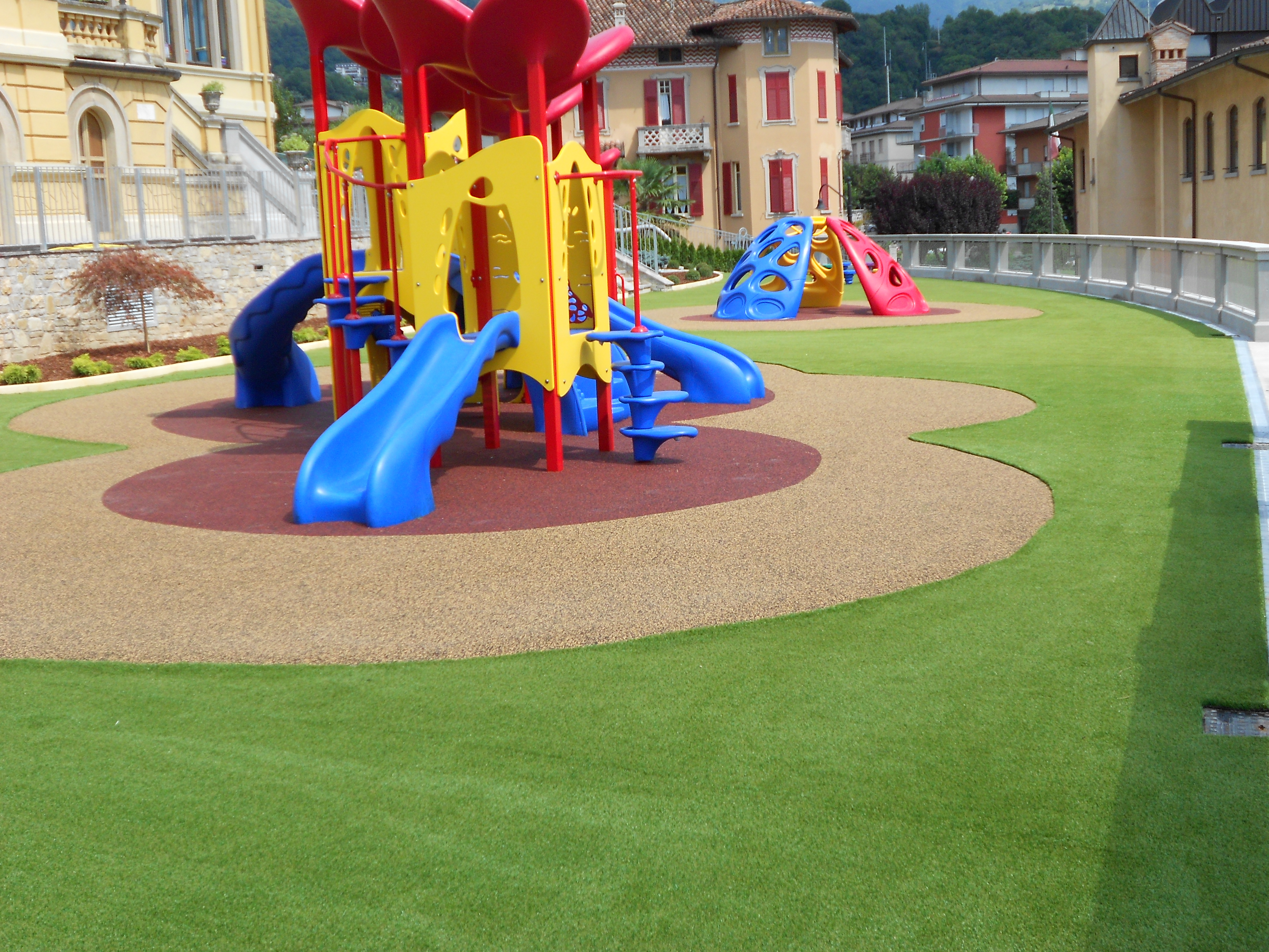 Erba artificiale per scuole e asili