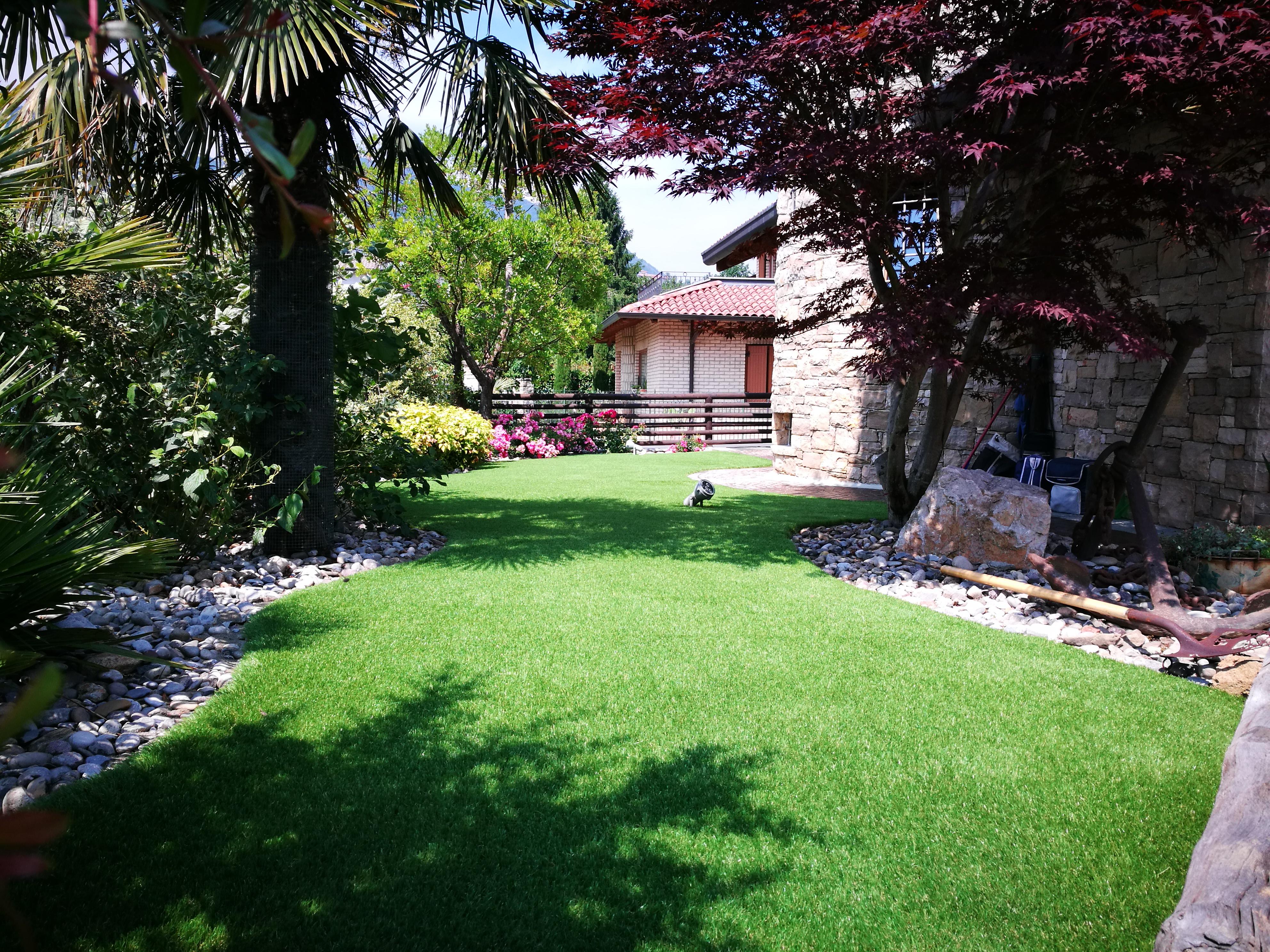 Aiuole erba italgreen landscape - Erba artificiale per giardini ...