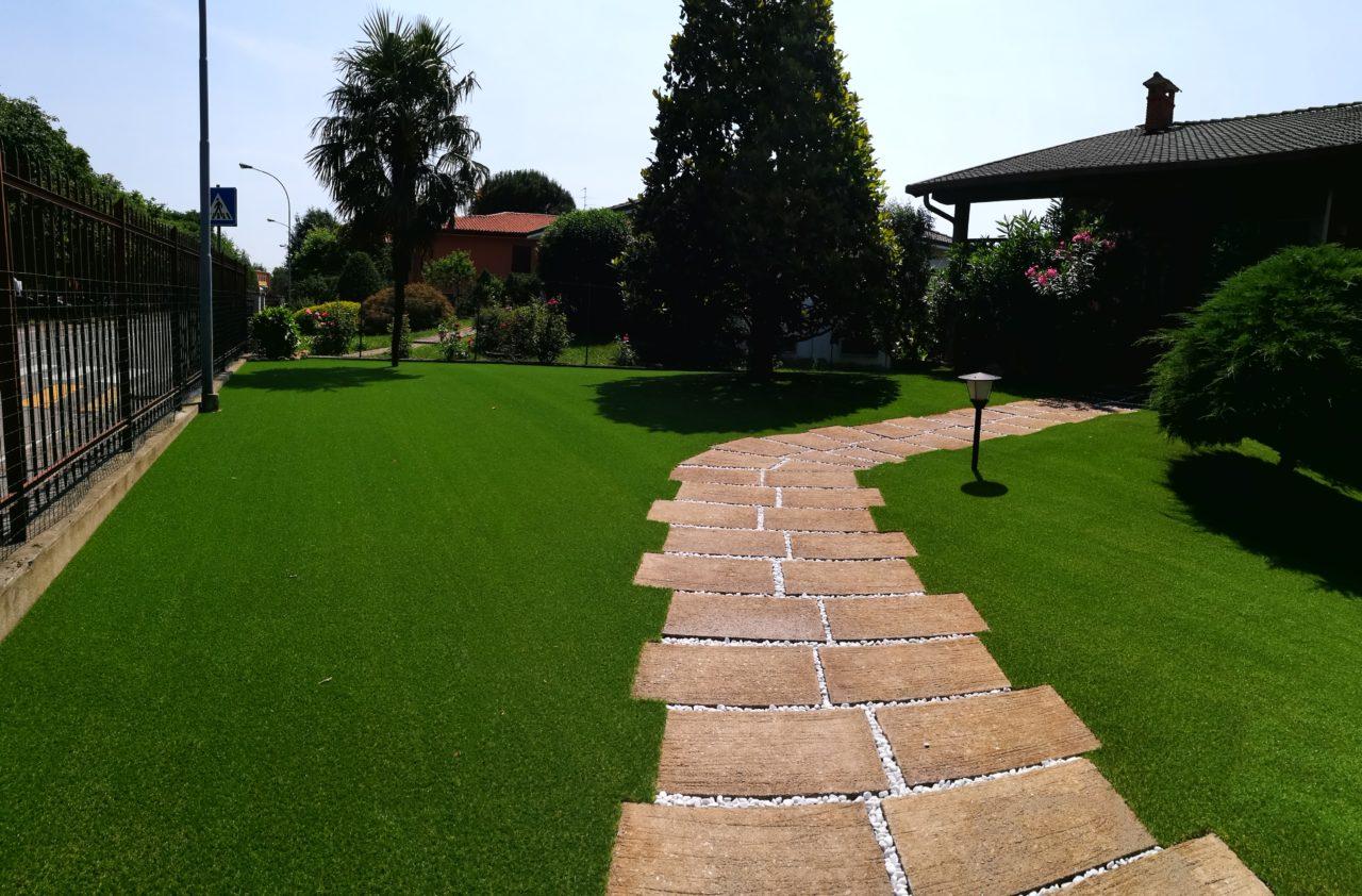 Con l 39 erba sintetica il tuo giardino sempre verde - Quando seminare erba giardino ...