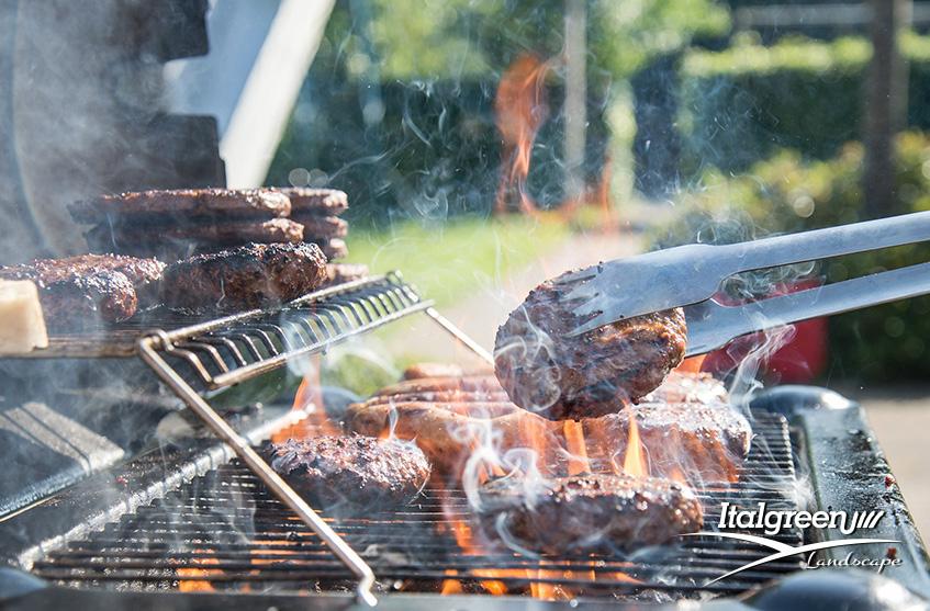 Mangiare all'aperto barbecue