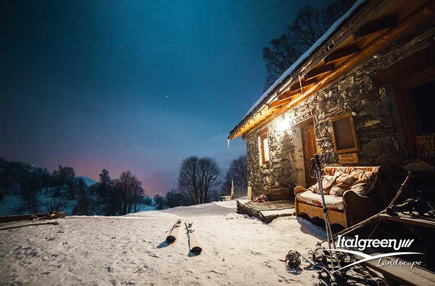 Casa in montagna come abbellire il giardino